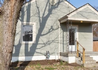 Foreclosed Home in Louisville 40216 THERESA AVE - Property ID: 4326143495