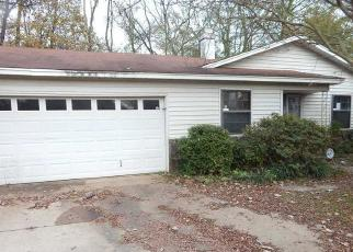 Foreclosed Home in Memphis 38128 WALSINGHAM CV - Property ID: 4326211375