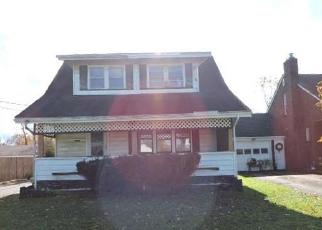 Foreclosed Home in Youngstown 44507 E AUBURNDALE AVE - Property ID: 4326276193