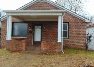 Foreclosed Home in Beckley 25801 LINCOLN ST - Property ID: 4326347144