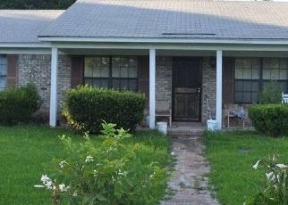 Foreclosed Home in Hayneville 36040 OLD LETOHATCHEE RD - Property ID: 4326556502