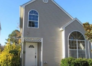 Foreclosed Home in Newport News 23608 CHARTER OAK DR - Property ID: 4326595482