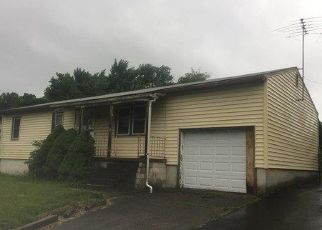 Foreclosed Home in Hudson 12534 SPRING ST - Property ID: 4326621319