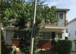 Foreclosed Home in Staten Island 10312 BLUEBERRY LN - Property ID: 4326624390