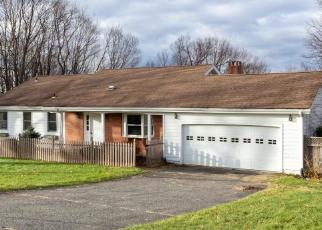 Foreclosed Home in Brookfield 06804 MAPLE LN - Property ID: 4326635786