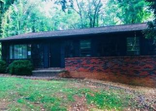 Foreclosed Home in Johnson City 37615 TITTLE DR - Property ID: 4326784243