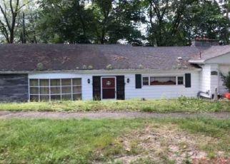 Foreclosed Home in Waterbury 06708 WESTRIDGE DR - Property ID: 4326901183