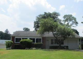 Foreclosed Home in Feasterville Trevose 19053 LOBLOLLY ST - Property ID: 4326979587