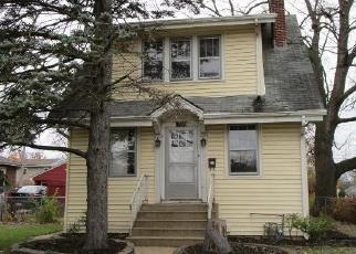 Foreclosed Home in Villa Park 60181 N WESTMORE AVE - Property ID: 4327011560