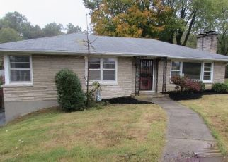 Foreclosed Home in Louisville 40214 SOUTHVIEW RD - Property ID: 4327023832