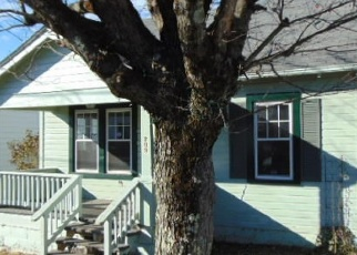 Foreclosed Home in Beckley 25801 WESTWOOD DR - Property ID: 4327060617