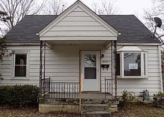 Foreclosed Home in Louisville 40216 DOHN RD - Property ID: 4327280477