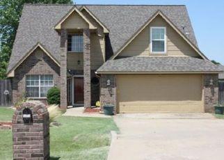 Foreclosed Home in Skiatook 74070 S HUMMINGBIRD CIR - Property ID: 4327442532