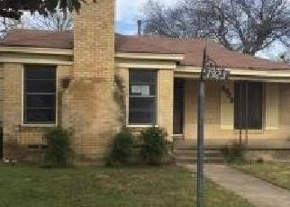 Foreclosed Home in Dallas 75203 SOMERSET AVE - Property ID: 4327519162