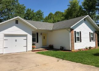 Foreclosed Home in Cassville 65625 ARRAY ST - Property ID: 4327548519
