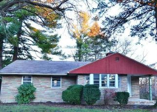 Foreclosed Home in Allentown 18102 CATASAUQUA AVE - Property ID: 4327641810
