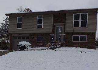 Foreclosed Home in Elizabethtown 42701 GREENWAY DR - Property ID: 4327687351