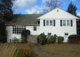 Foreclosed Home in New Rochelle 10804 RUGBY RD - Property ID: 4327729401