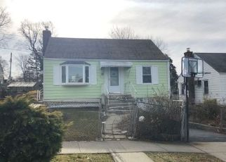 Foreclosed Home in Yonkers 10710 DELAWARE RD - Property ID: 4327730719