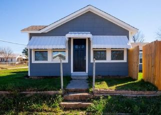Foreclosed Home in Weatherford 76086 JOHNSON ST - Property ID: 4327807356