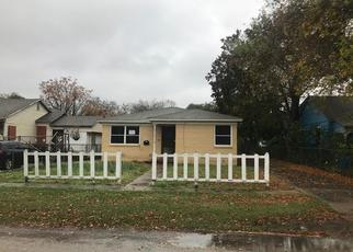Foreclosed Home in Robstown 78380 W AVENUE F - Property ID: 4327826635