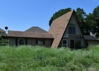 Foreclosed Home in Weatherford 76086 JENNIFER CT - Property ID: 4327831898