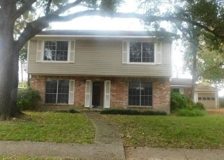 Foreclosed Home in Houston 77071 TWIN HILLS DR - Property ID: 4327836257