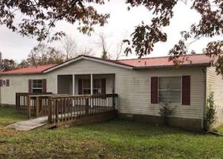 Foreclosed Home in Crossville 38572 SPARTA HWY - Property ID: 4327847657