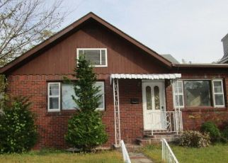 Foreclosed Home in Haledon 07508 VAN DYKE AVE - Property ID: 4327869551