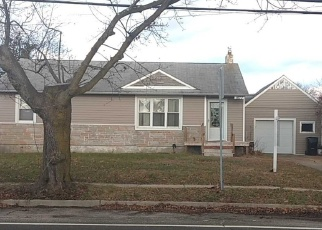 Foreclosed Home in Bay Shore 11706 MANOR LN - Property ID: 4327877432