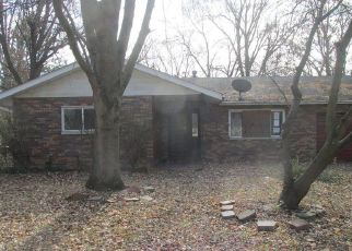 Foreclosed Home in Caseyville 62232 PARKDALE DR - Property ID: 4327949257