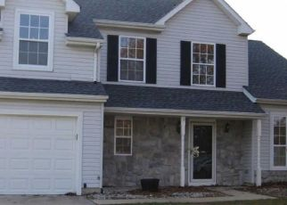 Foreclosed Home in Clayton 08312 CLEVENGER DR - Property ID: 4328150287