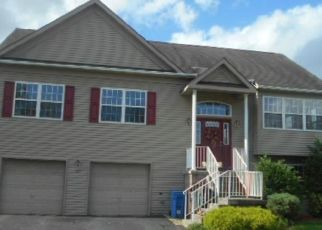 Foreclosed Home in Mount Royal 08061 WEATHERVANE DR - Property ID: 4328154228