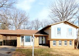 Foreclosed Home in Lanham 20706 NEWBURG DR - Property ID: 4328182708