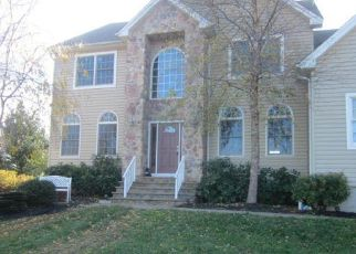 Foreclosed Home in Lebanon 08833 RED SCHOOL HOUSE RD - Property ID: 4328201538
