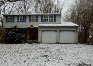 Foreclosed Home in Indianapolis 46229 ROUARK CIR - Property ID: 4328346957