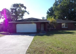 Foreclosed Home in Fort Myers 33907 CRYSTAL DR - Property ID: 4328375410