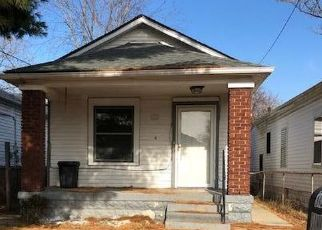 Foreclosed Home in Louisville 40212 BANK ST - Property ID: 4328387229