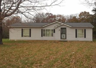 Foreclosed Home in Martinsville 46151 WILBUR RD - Property ID: 4328419200
