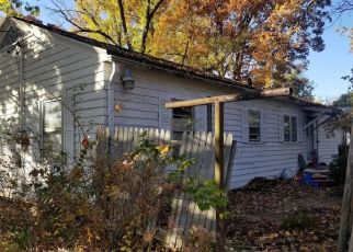 Foreclosed Home in Murphysboro 62966 S 21ST ST - Property ID: 4328437604