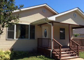 Foreclosed Home in Glasford 61533 E OAKLEY ST - Property ID: 4328439803