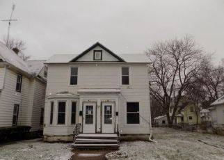 Foreclosed Home in Freeport 61032 W DEXTER ST - Property ID: 4328445939