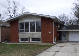 Foreclosed Home in Harvey 60426 STREAMSIDE DR - Property ID: 4328455111