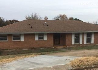 Foreclosed Home in Huntsville 35816 S CRESTVIEW DR NW - Property ID: 4328547987