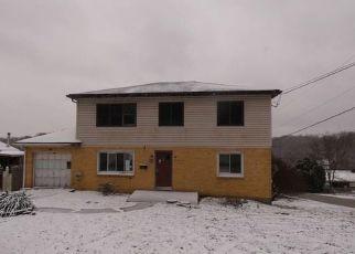 Foreclosed Home in Irwin 15642 HEROLD DR - Property ID: 4328614541