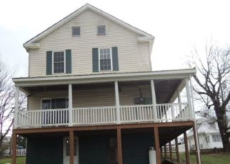 Foreclosed Home in Martinsburg 25401 E STEPHEN ST - Property ID: 4328620683