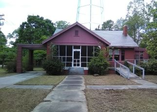 Foreclosed Home in Laurinburg 28352 S CALEDONIA RD - Property ID: 4328707842