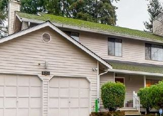 Foreclosed Home in Bellevue 98007 148TH DR SE - Property ID: 4328740686