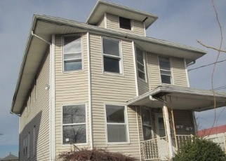 Foreclosed Home in Bridgeport 06606 HILL ST - Property ID: 4328926830