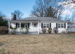 Foreclosed Home in Whitehouse Station 08889 MAPLE LN - Property ID: 4329005212